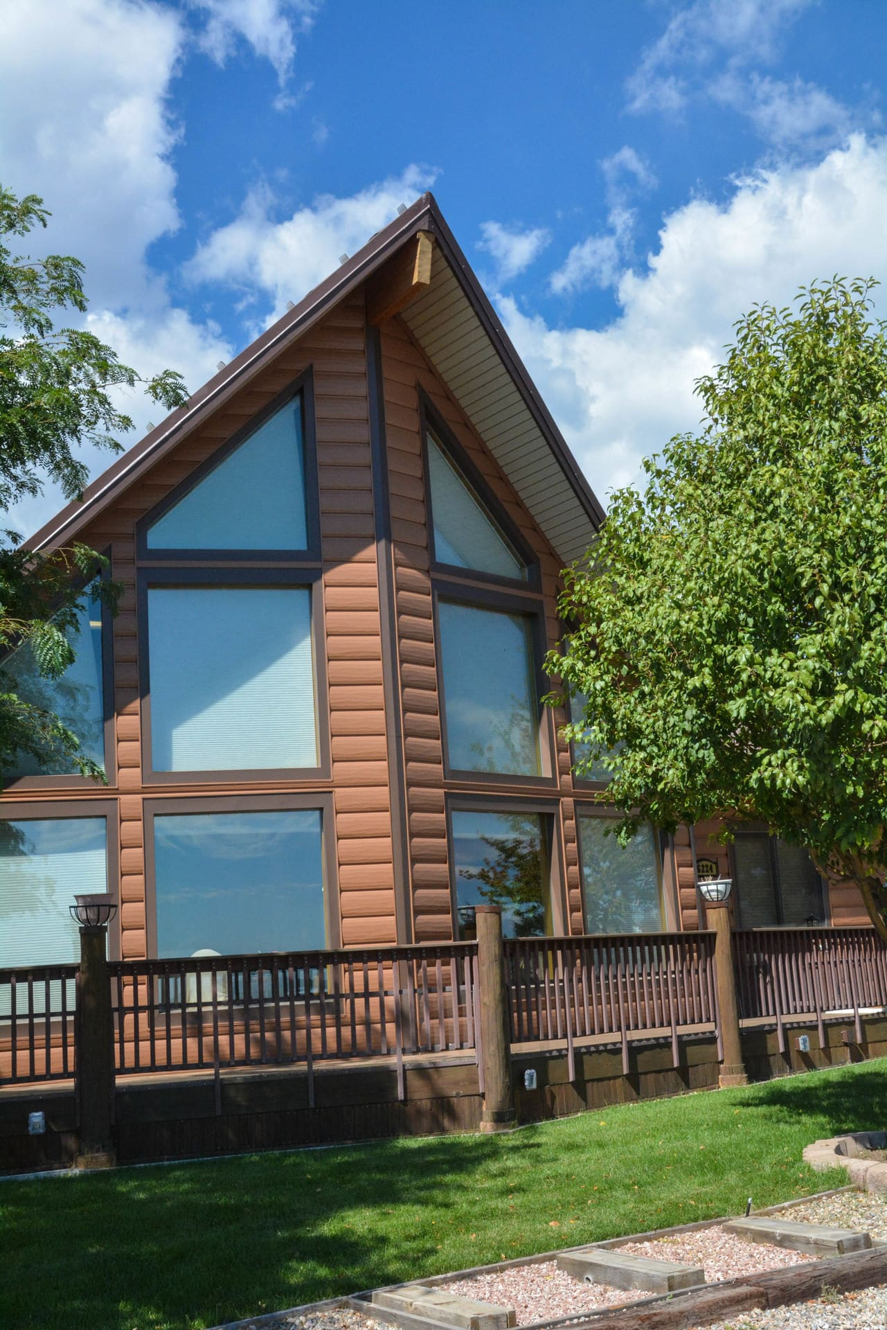 Cedar log cabin siding maintenance free