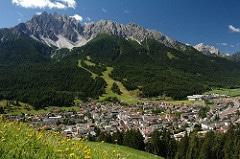 luxury mountain photo
