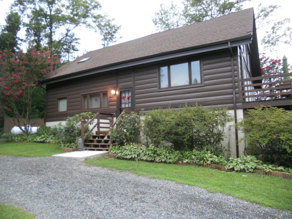 log cabin shingle roof