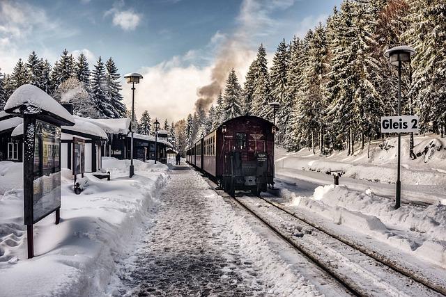 mountain train photo